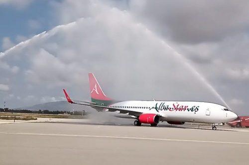 Cerimonia del water cannon a Trapani Birgi per il primo volo di AlbaStar