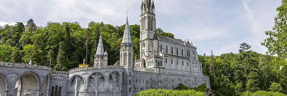 Volare a Lourdes passeggeri disabili Albastar