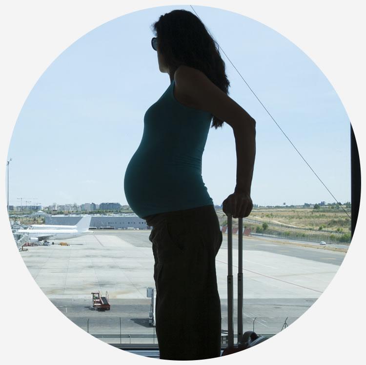 future mamme a bordo dei voli Albastar
