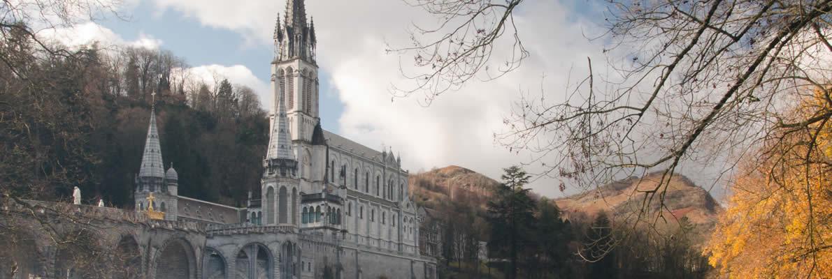 Come arrivare a Lourdes? Facile, volando con Albastar!